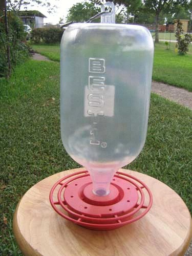 Best-1 ® 72 oz. Hummingbird Feeder BEST72'