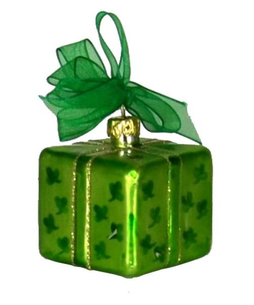 Xmas Surprise Sq Shamrocks Ornament (COBANEA282)
